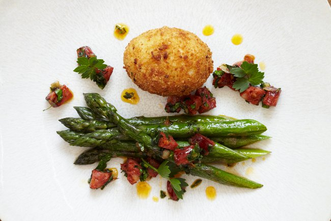 James Mackenzie asparagus &amp; duck egg - photo  Simon Hylton and courtesy of the Malton Food Lovers Festival