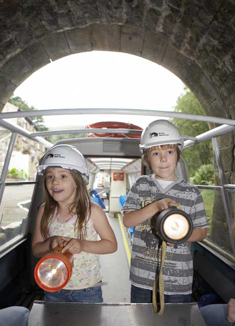 Excited kids entering Standedge Tunnel, photograph courtesy of British Waterways