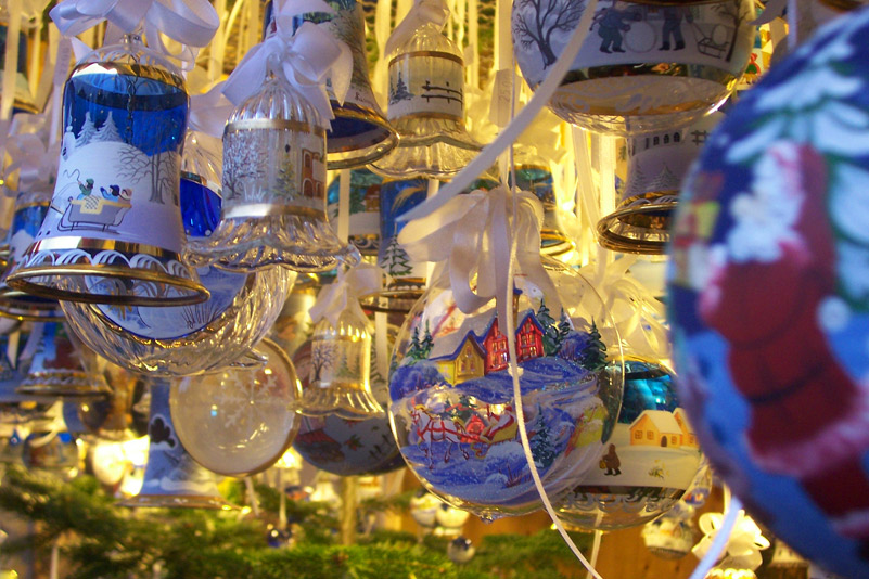 Blue-Decorations-resized