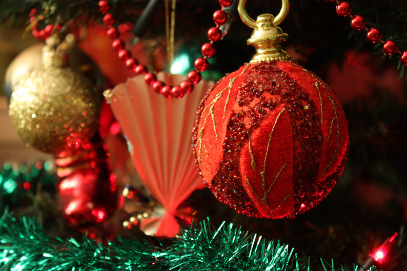 Red-decorations-resized