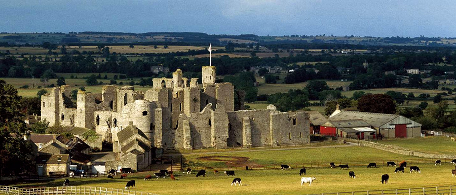 Middleham Castle English Heritage Picture